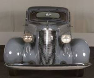 1936 DeSoto Airstream Coupe front