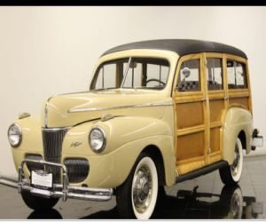 1941 Ford Super Deluxe  front