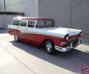 1957 FORD FAIRLANE COUNTRY SEDAN STATION WAGON right front