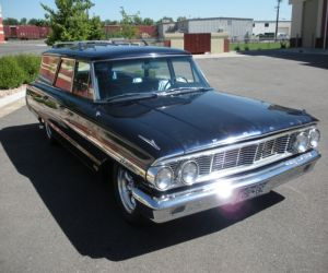1964 Ford Country Sedan front