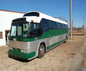 1972 GMC 4905 Buffalo motor home front