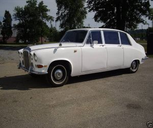 1974 Rolls Royce Daimler DS420 left front