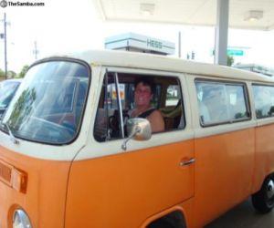 1979 Volkswagen Microbus front profile
