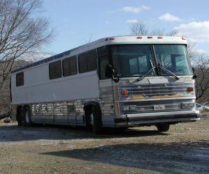 1980 MCI TMC MCI-9 Motorcoach Bus  front