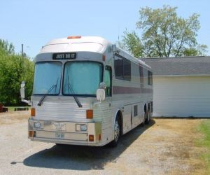 1983 Eagle entertainer mobile home front