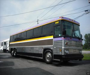1985 MCI Series 9 47 Passenger right front