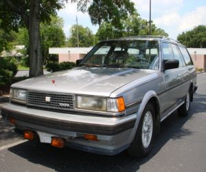 1986 Toyota  CRESSIDA left front
