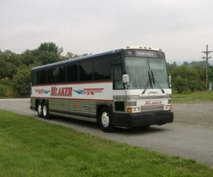 1988 MCI 102A3 front