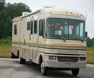 1993 Fleetwood Bounder right front