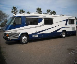 1993 Foretravel 36ft diesel pusher Unihome left side