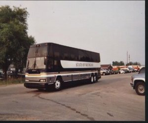 1993 Prevost H3-40 bus front right