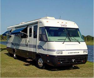 1996 Airstream Land Yacht front
