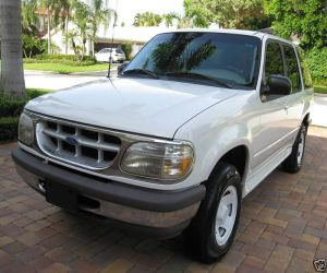 1997 Ford Explorer left front