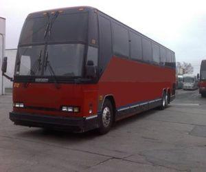 1997 Prevost H3-45 front