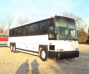1998 MCI 102D3 bus front
