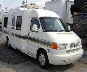 1998 Winnebago Rialta RV front