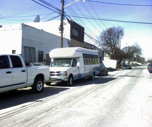 1999 Chevrolet Startrans Supreme shuttle bus front