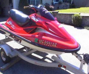 2000 Kawasaki Ultra 150 front