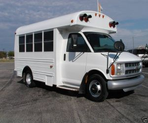 2001 CHEV 21 SEAT BUS right front