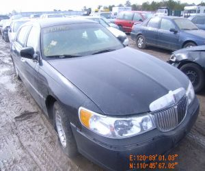 2001 Lincoln Executive L front profile