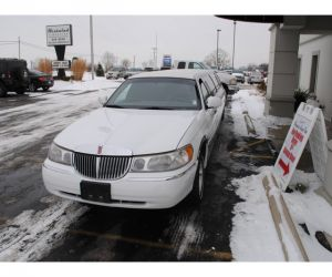 2001 Lincoln Town Car Krystal Limo front