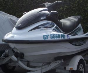 Front of 2001 yamaha xl 800 waverunner