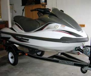 front of 2002 Yamaha FX 140 waverunner