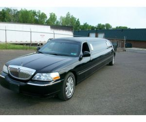 2004 Lincoln Town Car Stretch Limo left front