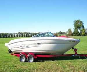 2004 Sea Ray 220 Select right side