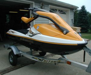 2004 SEADOO WAVERUNNER 3D JET SKI right front