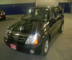 2004 Suzuki LX left front