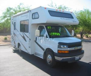 2005 FOUR WINDS CHATEAU SPORT Class C Motor Home right front