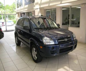 2005 Hyundai Tucson GL right front