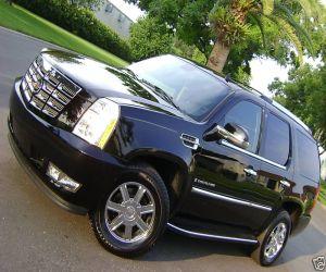 2007 Cadillac Escalade left front