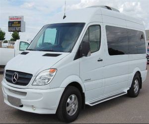 2007 Dodge Sprinter Limo Van left front