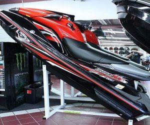 2011 Kawasaki ultra 300xside
