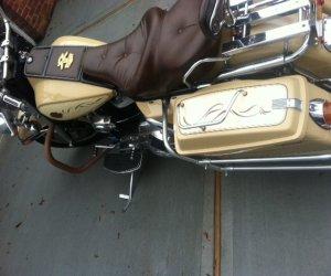 Image of a 1983 Harley Davidson flht