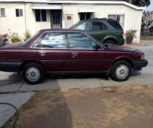 Image of a 1990 Toyota Camry