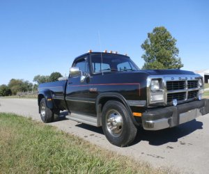Image of a 1991 Dodge D350
