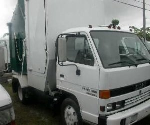 Image of a 1991 Isuzu Npr