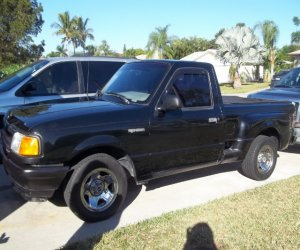 Image of a 1993 Ford Ranger Step side