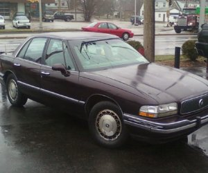 Image of a 1995 Buick LaSabre Custom
