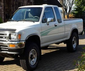 Image of a 1995 Toyota Pickup SR5