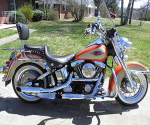 Image of a 1996 Harley Davidson Softail