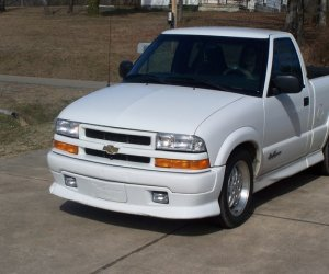 Image of a 2000 Chevrolet s10 extreme