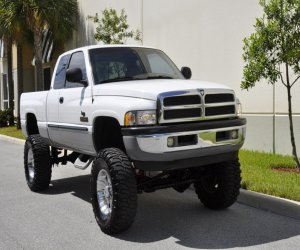 Image of a 2000 Dodge RAM2500 SLT