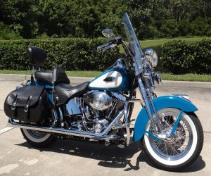 Image of a 2001 Harley Davidson Heritage Springer Classic Softail