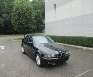 Image of a 2002 BMW 530i