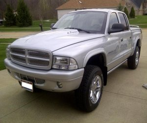 Image of a 2002 Dodge DAKOTA
