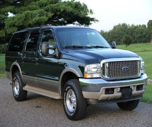 Image of a 2002 Ford EXCURSION